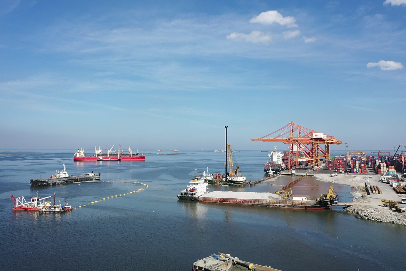 PrimeBMD celebrates the start of Berth 7 Piling